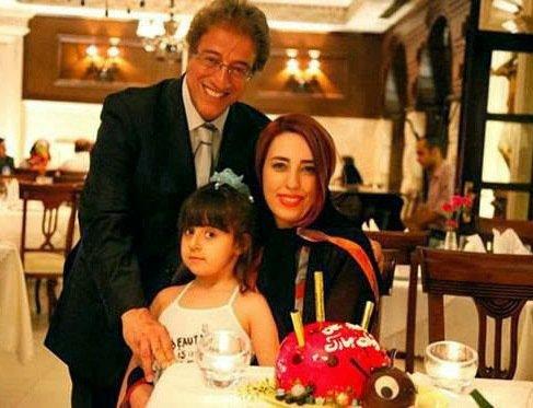 عکس جدید علیرضا خمسه در کنار همسرش