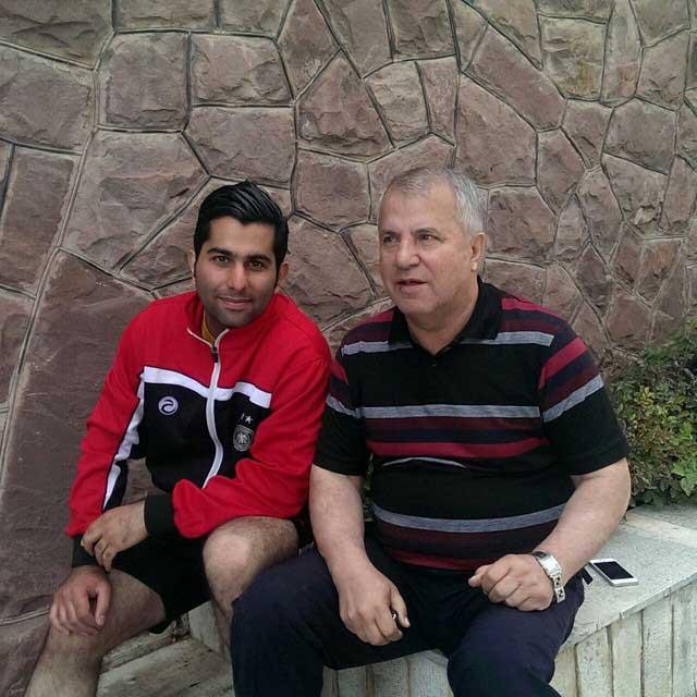 عکسی دیده نشده از علی پروین در کنار پسرش